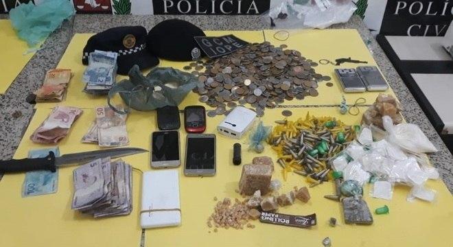 GCMs encontraram drogas, dinheiro e uma faca em ação na Cracolândia, em SP