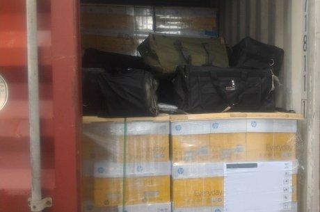 Bolsas com drogas apreendidas pela Receita Federal