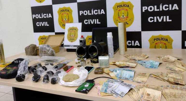 Drogas gourmet, R$ 21 mil e material para tráfico apreendidos pela PCDF na operação 'Ice Frog'