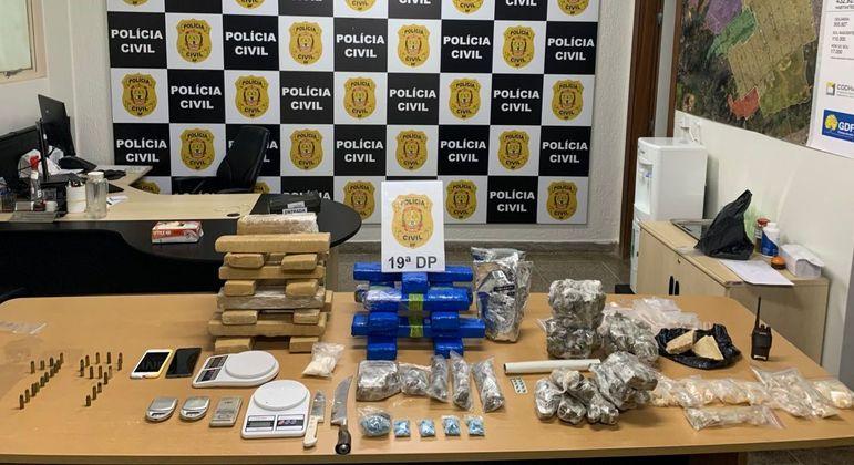 Drogas, munições e artigos para produção de entorpecentes apreendidos em laboratório de Ceilândia