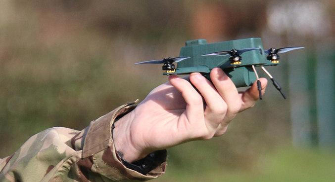 O drone pode alcançar até 2 km de distância