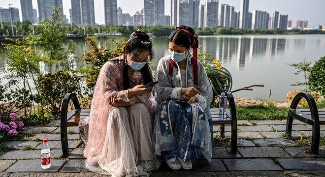 Muitos chineses têm endereços de e-mail, mas os verificam com muito menos frequência do que ocidentais