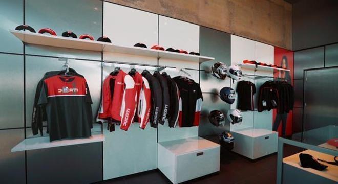 Nova concessionária de Londrina já tem  toda linha de vestuário Ducati