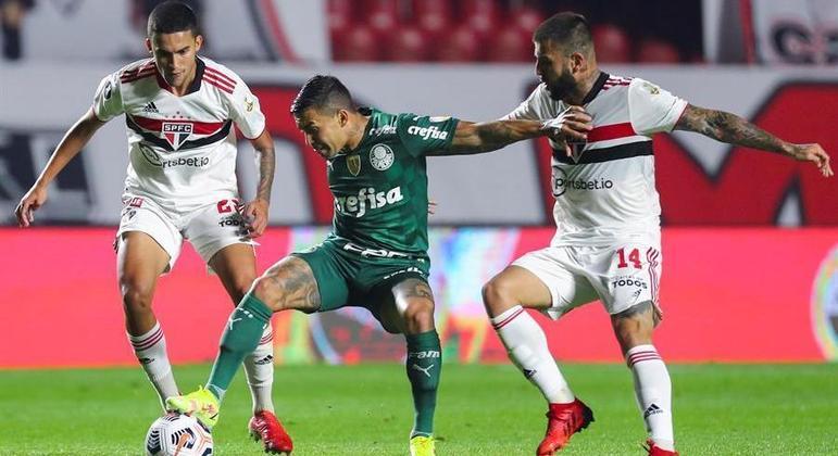 Dudu foi titular do Palmeiras e fez um grande jogo contra o São Paulo