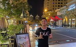 Dudu só aparecia sozinho nas fotos no Qatar. O atacante saiu do Brasil após uma briga com a ex-mulher e mãe de seus filhos, Malu Ohanna. Ela o acusa de agressão, e ele nega. O caso está sendo investigado na polícia