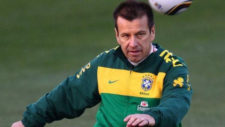 Dunga – brasileiro – 57 anos – último clube que treinou: seleção brasileira