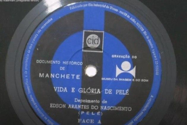 Durante depoimento gravado no Museu da Imagem e do Som (IMS) e lançado em compacto pela revista Manchete em 1969, Pelé também cantou um trecho de uma música de sua autoria: