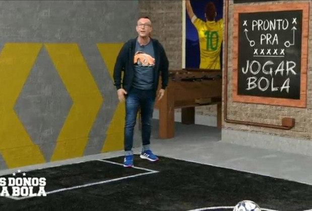 """Durante o programa """"Os Donos da Bola"""", em 2013, o áudio do apresentador Neto vazou e ele foi flagrado criticando a Seleção Brasileira."""