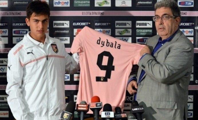 Dybala acabou vendido para o Palermo, da Itália, por 6 milhões de euros. Anos depois, bastante valorizado, foi vendido à Juventus por 32 milhões de euros. Por vezes, a imprensa italiana chegou a compará-lo com o compatriota Lionel Messi.