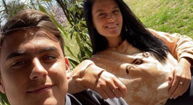 Dybala e Oriana, em foto de agora