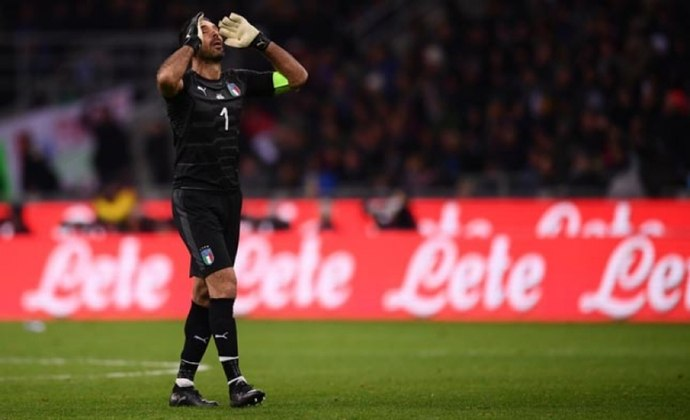 ... e a Itália de Buffon venceu por 2 a 1.