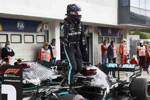 É a segunda pole seguida de Hamilton na temporada 2020