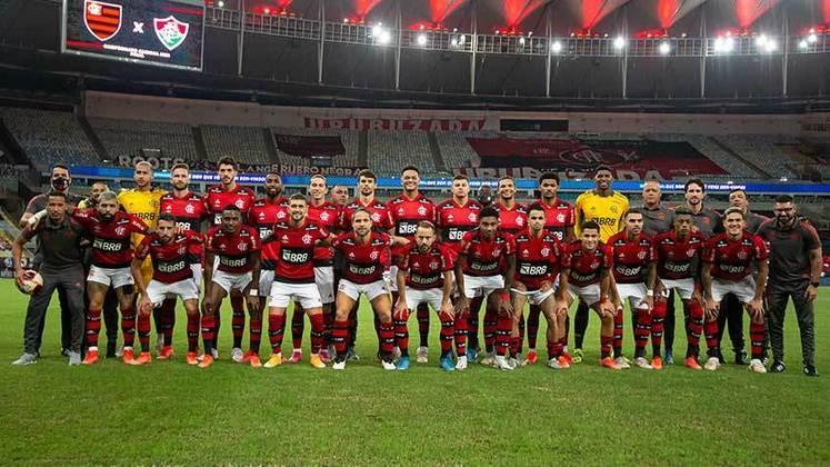 É campeão! O Flamengo conquistou o Cariocão 2021 ao superar o Fluminense (4 a 2 no placar agregado) e sagrou-se hexa-tri-campeão estadual. O Rubro-Negro ainda foi o campeão da Taça Guanabara 2021, conquista assegurada com a liderança da primeira fase. Lembre toda a trajetória do Flamengo jogo a jogo até o título carioca!