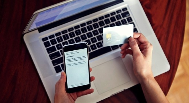Consumidores devem se precaver de golpes para garantir boa experiência online