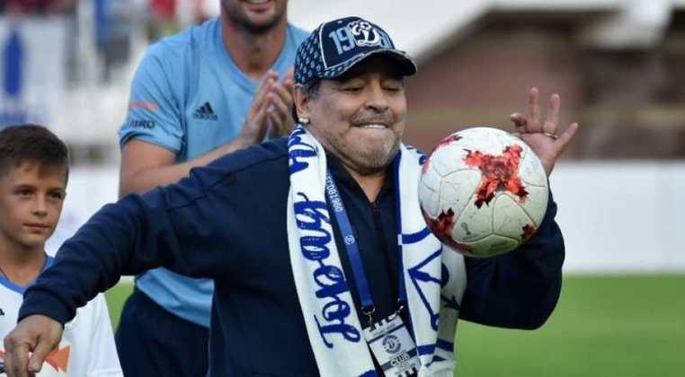 E em 2019, Maradona foi anunciado como treinador do Gimnasia y Esgrima, da Argentina, onde está até hoje. Ele tem contrato com o clube até dezembro de 2021. Em novembro do ano passado, Maradona chegou a pedir demissão do clube, mas voltou atrás um dia depois.