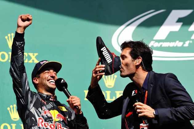E naquele dia sobrou também para Mark Webber, ex-piloto que fazia entrevistas no pódio