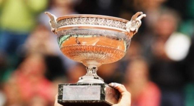 E ninguém conseguia parar Rafael Nadal. Em 2012, o espanhol mais uma vez chegou ao topo, ao vencer o sérvio Novak Djokovic por 3 a 1, com parciais de 6–4, 6–3, 2–6 e 7–5.