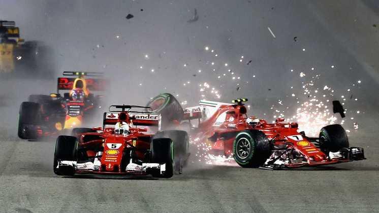 E notoriamente no GP de Singapura de 2017, quando Vettel espremeu Max Verstappen contra Räikkönen. O acidente foi determinante para Lewis Hamilton virar a chave do campeonato