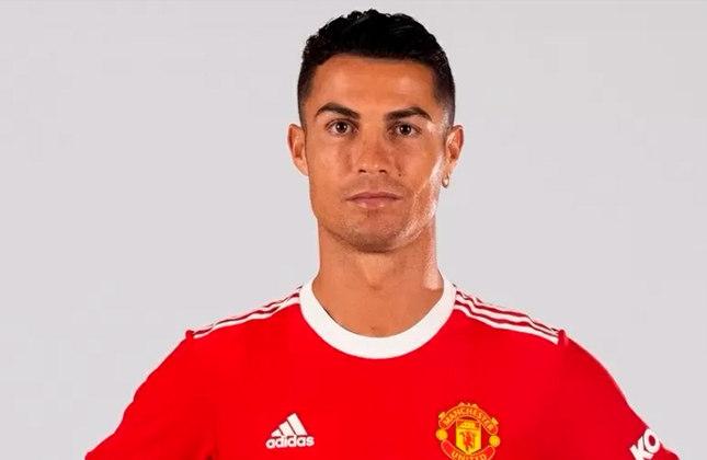 E o maior jogador de todos os tempos, segundo o algoritmo, é Cristiano Ronaldo! Aspectos como gols por clubes, recordes pessoais e o