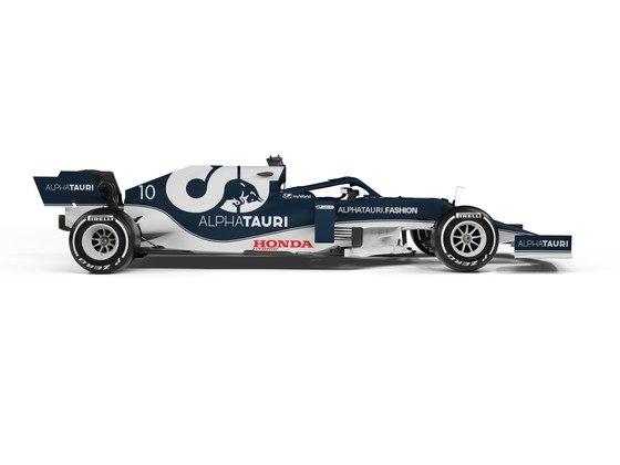 É o terceiro ano seguido da AlphaTauri utilizando câmbio e suspensões dianteiras e traseiras produzidos pela Red Bull