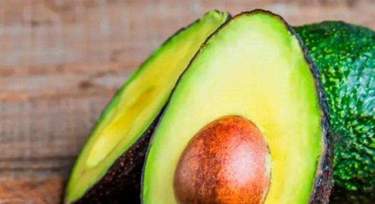 É um alimento rico em vitamina E, sendo assim um ótimo oxidante no nosso corpo. Outro ponto marcante é que ele atua contra a acne e melhora a qualidade da pele.