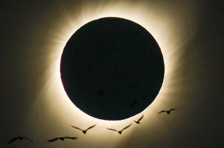Foto tirado por brasileiro do eclipse total do Sol