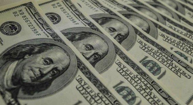 Economista diz que o dólar está mais presente na vida do brasileiro do que ele pensa Crédito: Marcelo Casal / Agência Brasil / CP