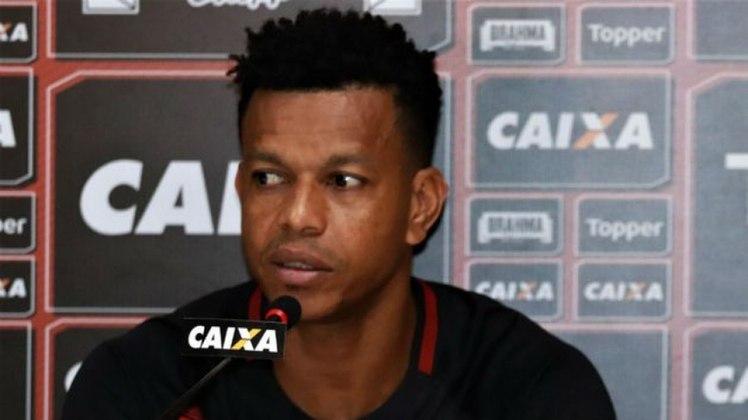 EDCARLOS - Cria da base são-paulina e um dos destaques da final, zagueiro ainda está na ativa aos 35 anos. Joga no Juventude.