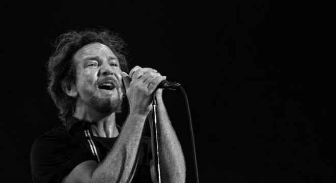 Singles de Natal do Pearl Jam são disponibilizados em streaming; ouça