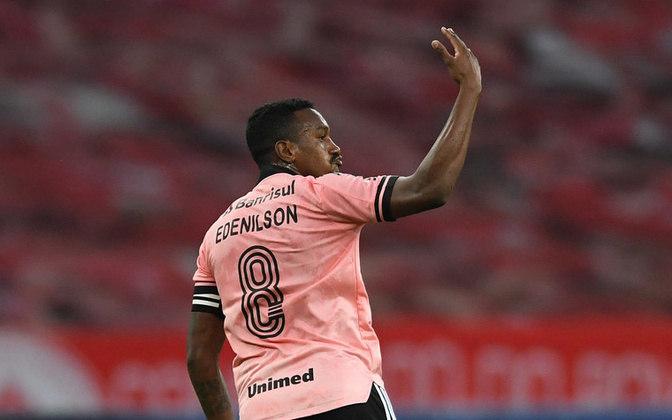Edenílson - volante - 30 anos - defende o Internacional, onde é titular absoluto do meio-campo.