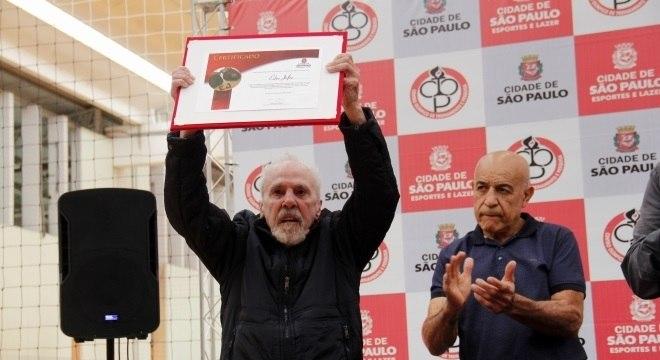 Eder Jofre é considerado o maior boxeador do Brasil