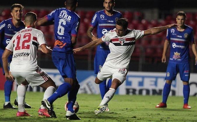 Eder - Na vitória do Tricolor, por 5 a 1, contra o São Caetano, no dia 10 de abril de 2021, o atacante Eder saiu do banco para fazer o quinto gol da equipe do Morumbi, em jogo válido pelo Paulistão.