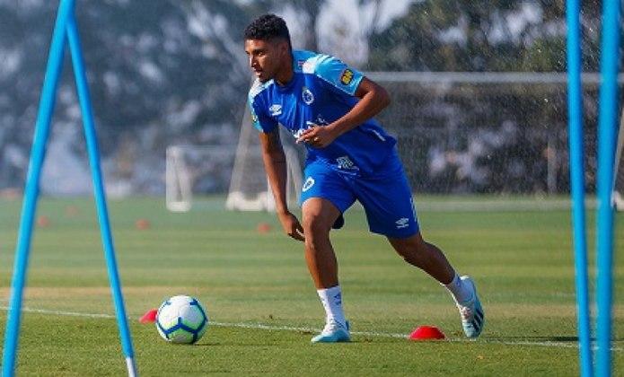 Ederson processou o Cruzeiro por atrasos salariais, de imagens, um terço das férias, décimo-terceiro e FGTS que não foram quitados.