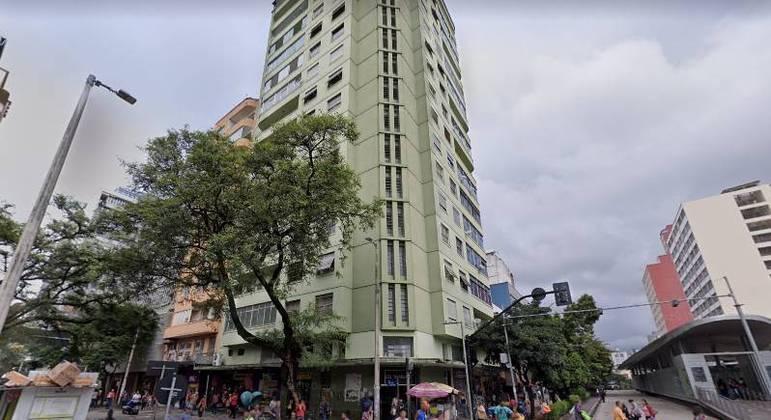 Prédio fica localizado entre a avenida Paraná e a rua dos Carijós, no centro de BH