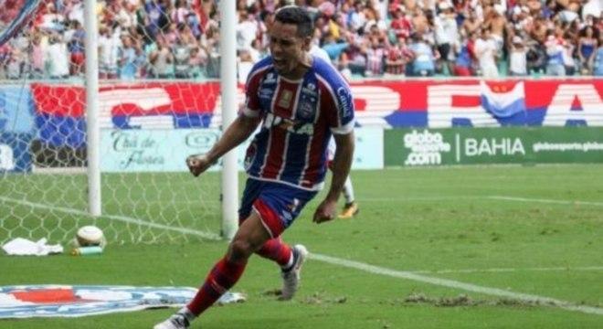 Bahia faz 2 a 1 e abre vantagem contra o Vitória na Fonte Nova ... aa8c22498554e
