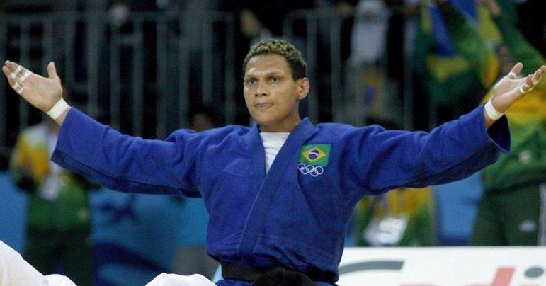 Edinanci Silva é a judoca brasileira que mais participou de Jogos Olímpicos, com quatro participações. Ela esteve em Atlanta-96, Sydney-2000, Atenas-2004 e Pequim-2008, ficando nesta última com sua melhor colocação, o quinto lugar