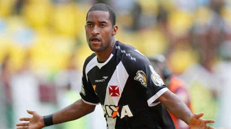 Edmilson -Da lista, é um dos que teve melhor aproveitamento com a cruz de malta. Entre 2013 e 2014, foram 72 jogos e 23 gols.