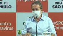 Prefeitura de SP avalia fim do uso de máscara no Carnaval de 2022