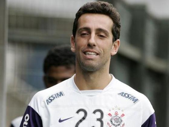 Edu: depois de se destacar no alvinegro, foi para a Europa e encerrou a carreira no clube do coração, em 2010. Tornou-se dirigente do Corinthians e coordenador técnico da Seleção. Atualmente está na diretoria técnica do Arsenal.