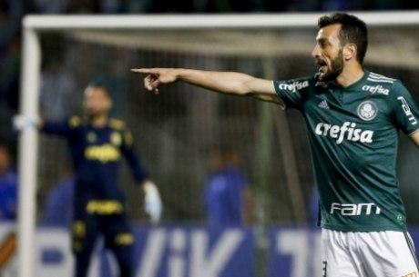 Edu Dracena jogou por Santos, Corinthians e defende o Palmeiras