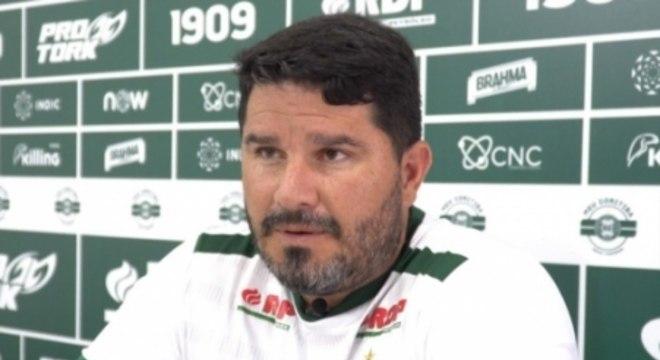 Eduardo Barroca, técnico do Coritiba