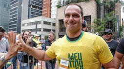 Filho de Bolsonaro pede desculpas por sugerir fechar o Supremo em vídeo ()