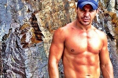 Eduardo Costa é investigado por estelionato