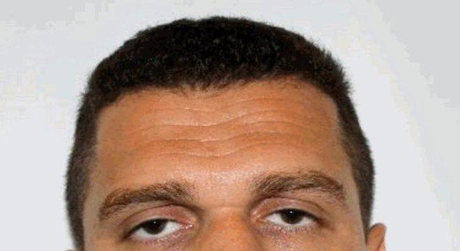 Suspeito de ataque à produtora do programa Porta dos Fundos, Eduardo Fauzi Richard Cerquise não foi encontrado pela polícia e está foragido