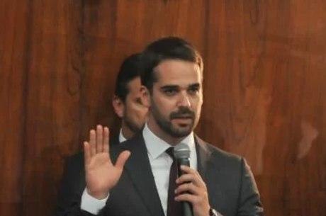 Governador Eduardo Leite é aprovado por seis em cada dez gaúchos