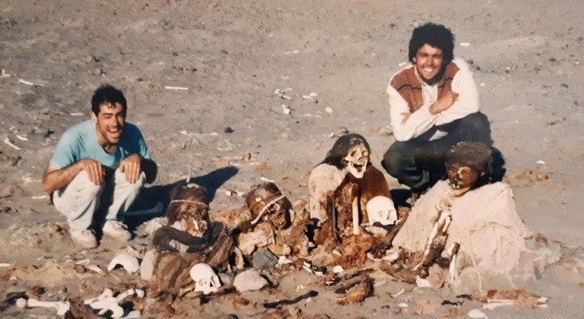 O inesperado cemitério profanado no deserto de Nazca