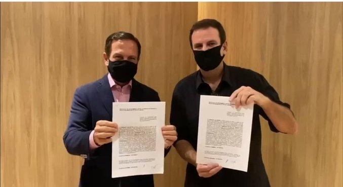 Em dezembro, Paes firmou acordo com Doria para a produção de vacinas