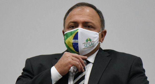 """O Ministro da Saúde Eduardo Pazuello afirmou que """"Dia D"""" da covid-19 """"vai sair"""""""