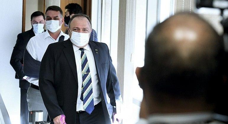 O ex-ministro da Saúde Eduardo Pazuello retoma depoimento na CPI da Covid nesta quinta-feira
