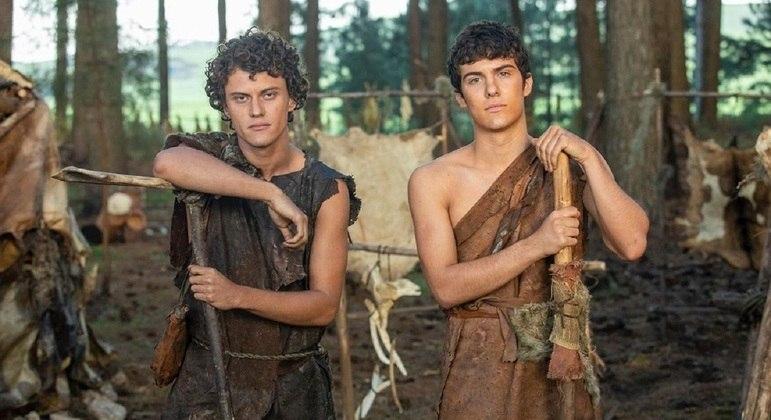 """Em """"Gênesis"""", Caim e Abel serão interpretados por Eduardo Speroni e Caio Manhente"""